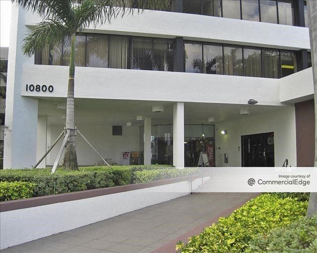 Bayshore Executive Plaza
