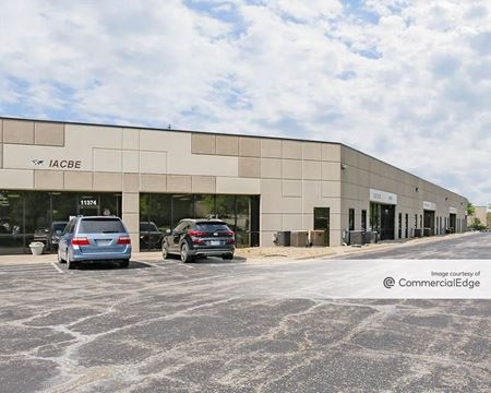 Strang Line Business Center - Lenexa