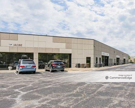 Strang Line Business Center - Lenexa