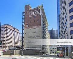 Peck's Plaza - Kansas City