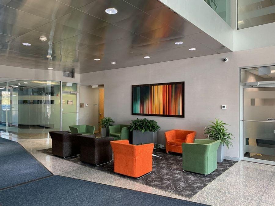 Lakewoods Corporate Center