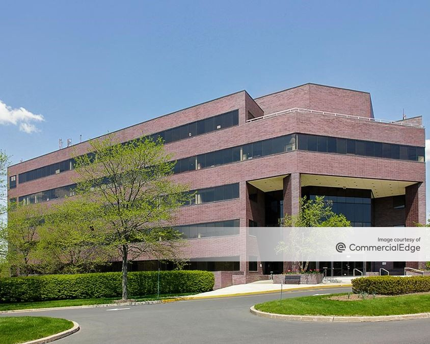 Glenview Corporate Center - 3220 Tillman Drive
