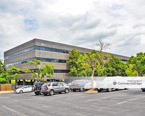 Sunset Corporate Center - St. Louis