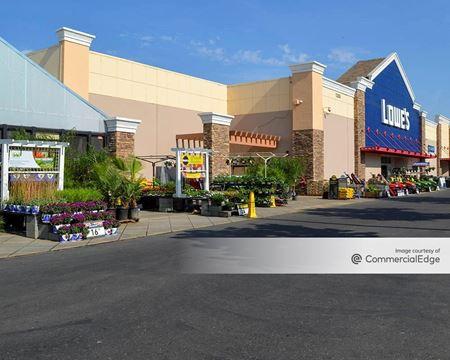 Westgate Shopping Center - Lodi