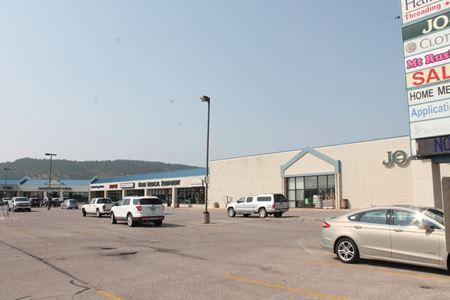 Haines Plaza Shopping Center - Rapid City
