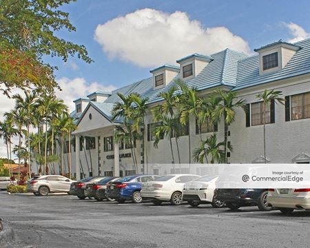 Colonial Place - Coral Springs
