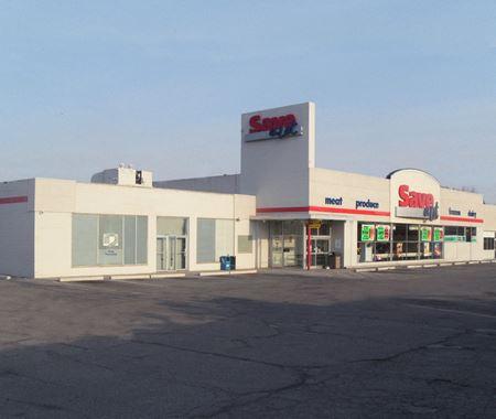 Save-A-Lot Plaza - Pontiac
