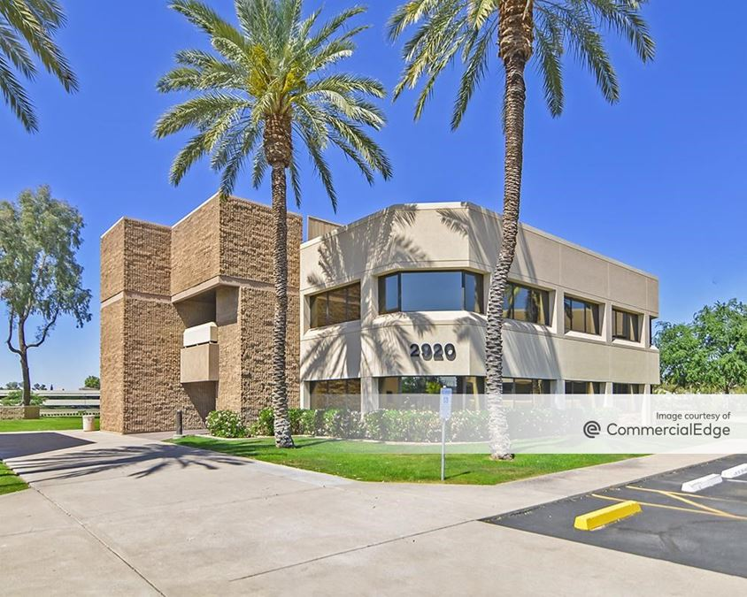 Biltmore Lakes Corporate Center - 2920 & 2930 East Camelback Road