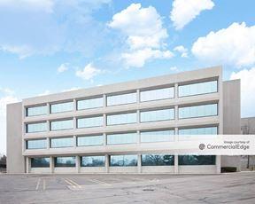 Northwestern Corporate Center - 19675 West 10 Mile Road