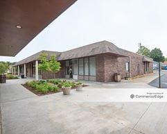 1165 Centre Pkwy - Lexington