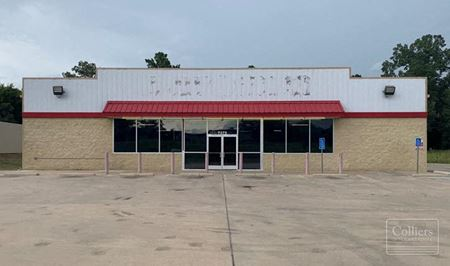 For Lease   ±8,000 SF Former Family Dollar - Point Blank