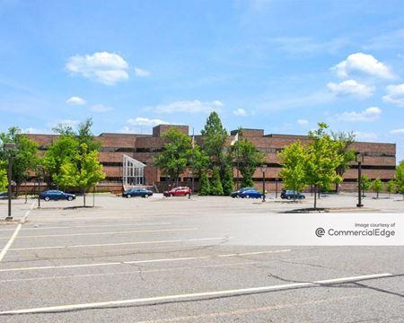 Hilton Court West - Parsippany