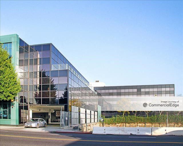 Wilshire Robertson Plaza