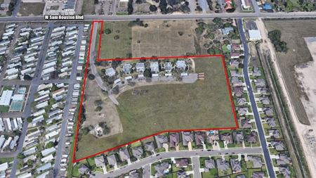 +/- 13 acres of Multifamily Development Land with Six Four-plexes in Pharr, TX - Pharr