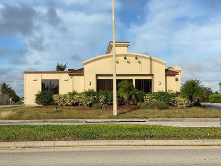 Freestanding Building On 0.92 Acres - Cape Coral