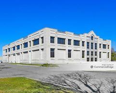 Petracca & Sons Corporate Headquarters - Whitestone