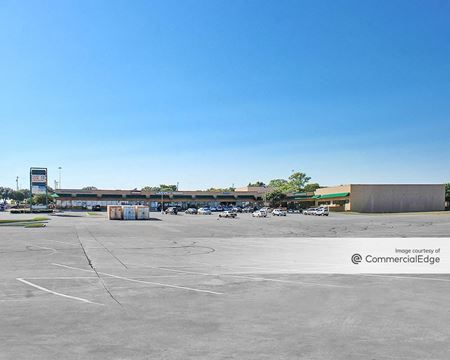Cliffview Crossing Shopping Center - Dallas