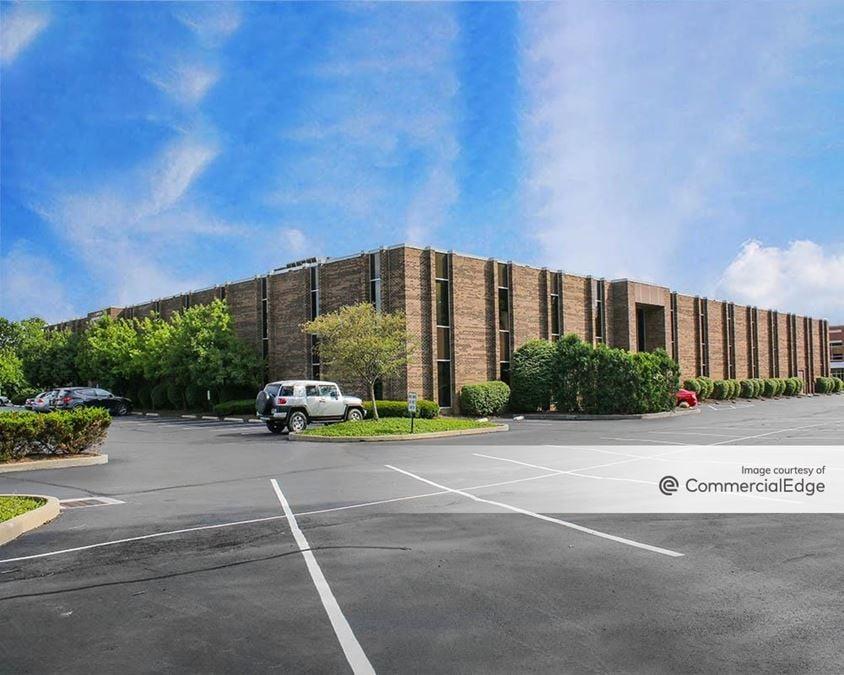 Hills Corporate Park - Kenwood Professional Building & Kenwood Corporate Center
