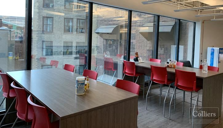 Modern Plug & Play Sublease in Central Downtown Crossing Location