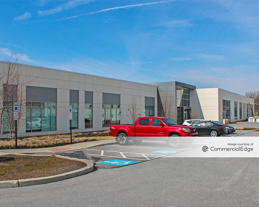 The Campus - 300 Willowbrook Lane