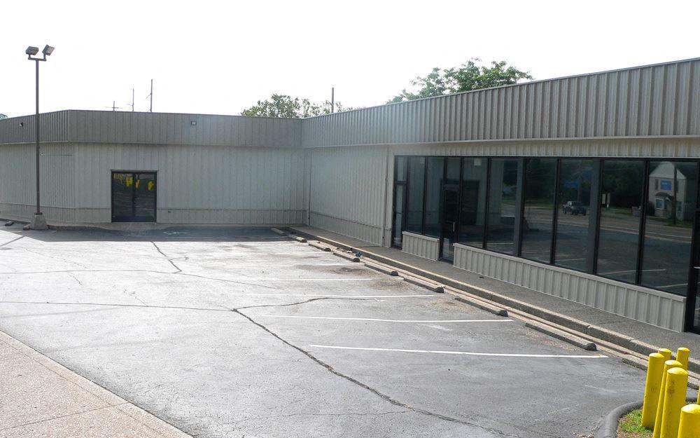 Retail/Warehouse Facility