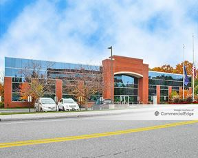 Airport Park - 43 British American Blvd