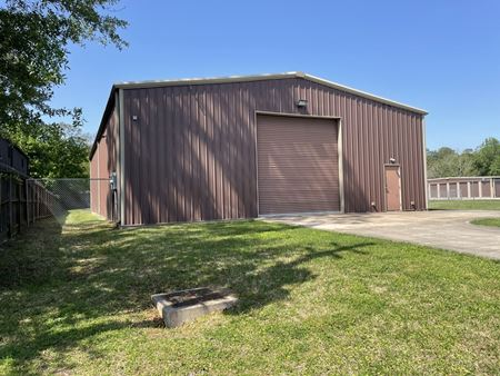 4,000 SF Office / Warehouse Space For Lease in Northwest Houston - Houston