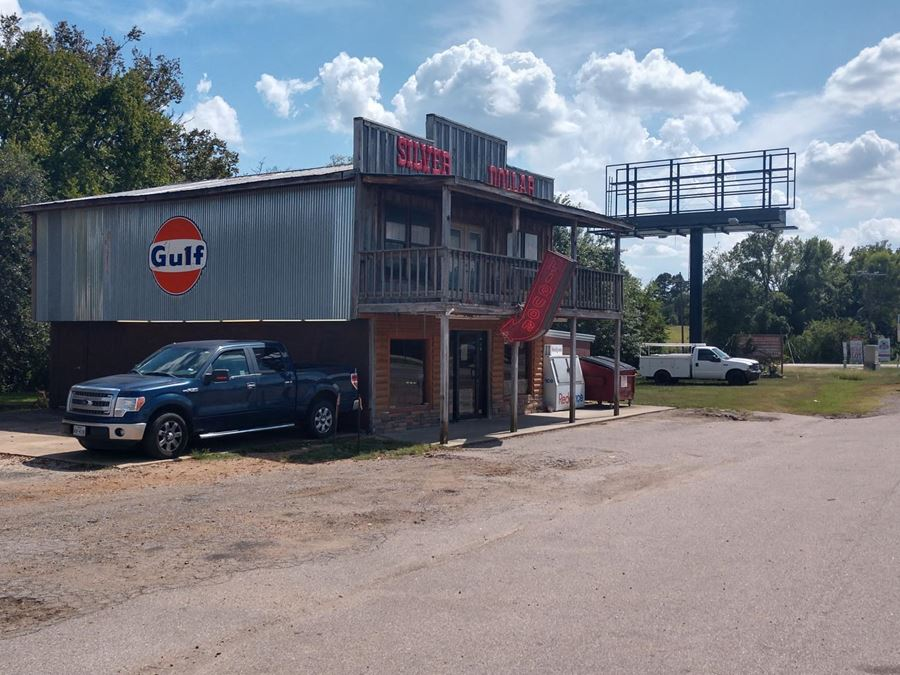 Hwy 105 Corner Lot   Restaurant On-Site