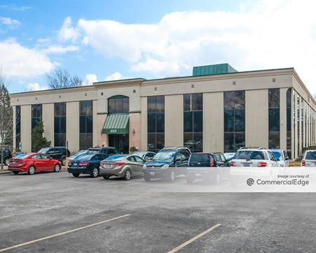 800 Executive Center - Libertyville