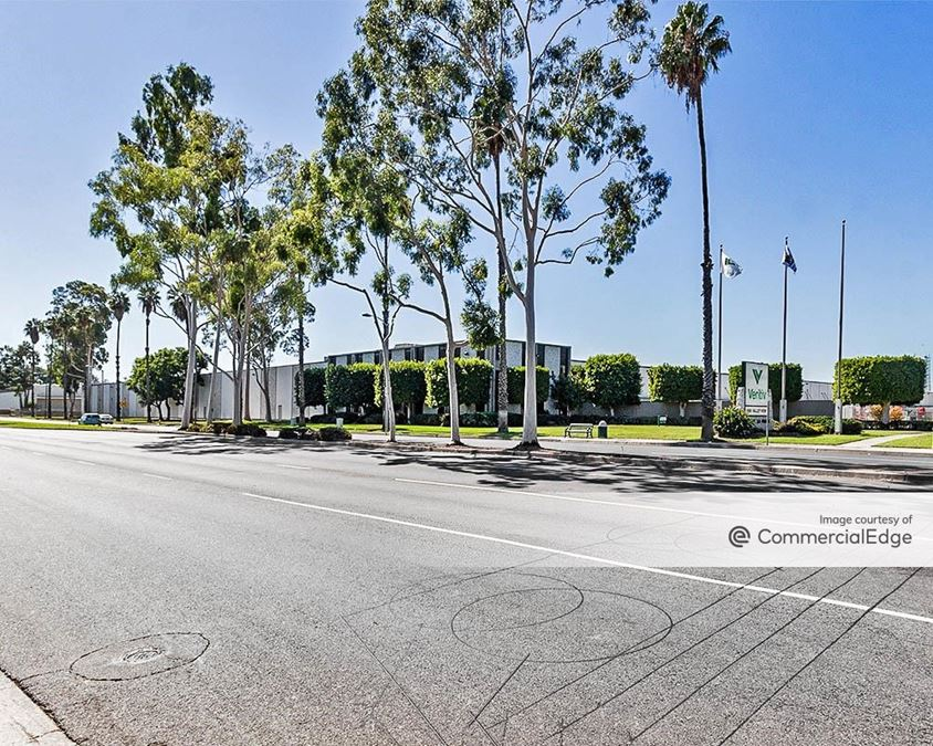 6565 Valley View Street