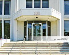 Commerce Plaza - 2001 Spring Road - Oak Brook