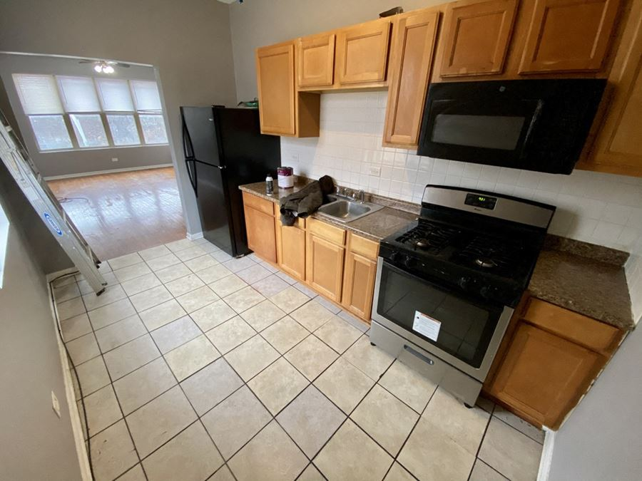 12-Unit Multi-Family Investment Property in Woodlawn