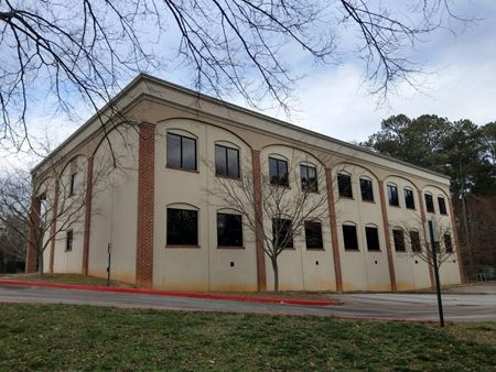 Freestanding Office Building On Silver Comet Trail | ± 16,618 SF - Powder Springs
