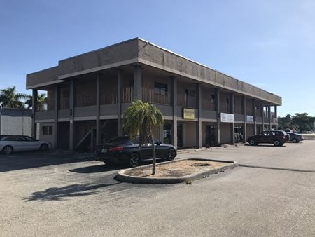 1st Floor On 41! - Fort Myers