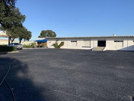Freestanding Tampa Warehouse - Tampa