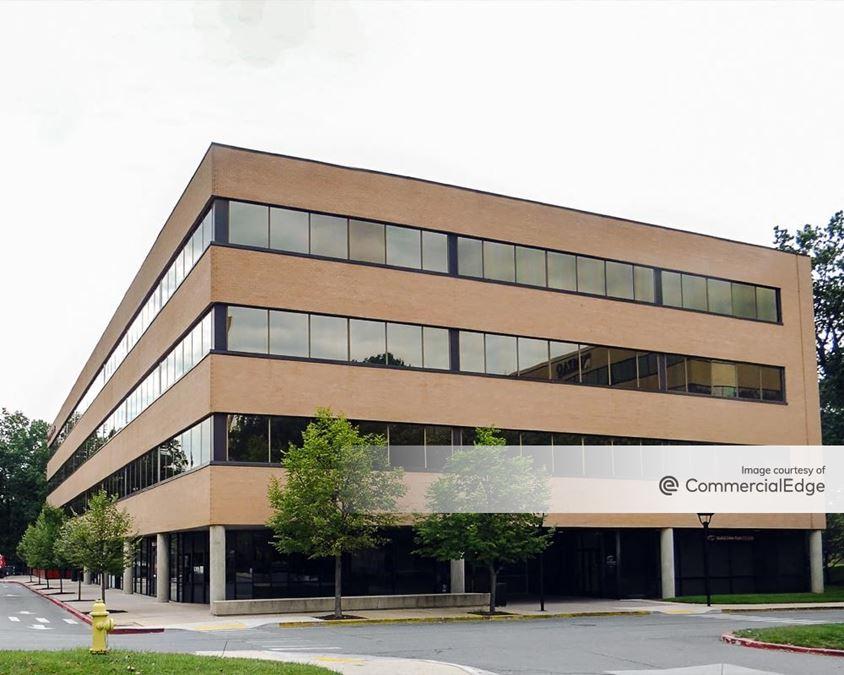 10 Corporate Center