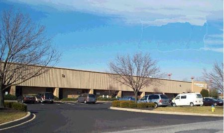 Airport Business Center / 256-282 Quigley Blvd - New Castle