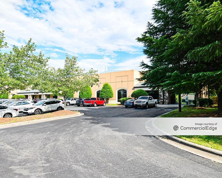 Mendenhall Business Park - 4180 Mendenhall Oaks Pkwy