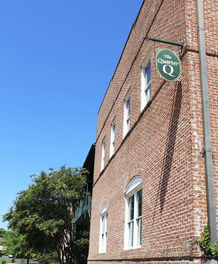 The Quarter - 1855 Lakeland Drive - Jackson