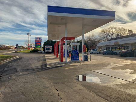 Mobil Gas Station & Convenience Store - Laurel