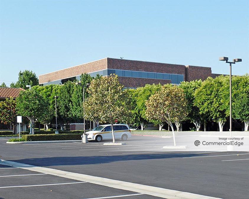 Tustin Executive Center