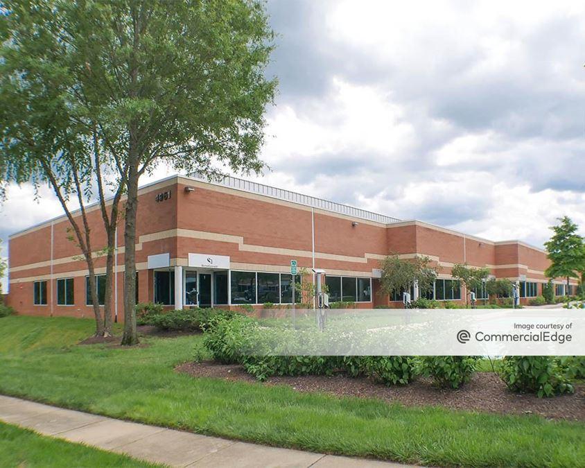 Melford Town Center - 4901, 4931 & 4961 Tesla Drive