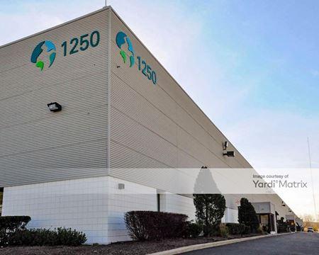 Meadowlands Distribution Center - Building 16 - Lyndhurst