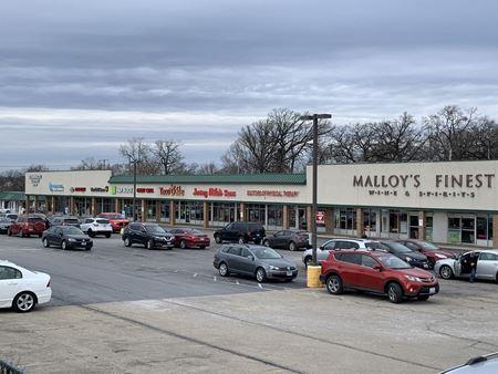 Maple Terrace Shopping Center - Lisle