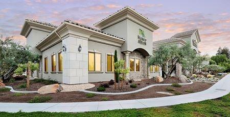 1398 West Herndon Bldg - Fresno