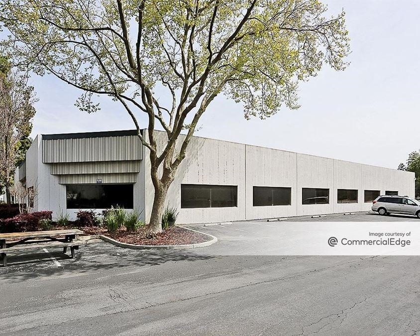 North First Business Park - 32-49 Daggett Drive