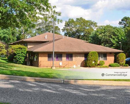 Crossroads Professional Center - Holtsville