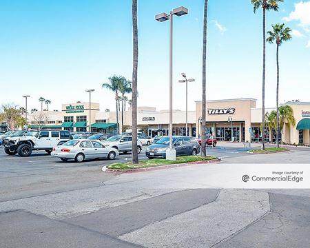 Rolling Hills Plaza - 2591 Airport Drive - Torrance