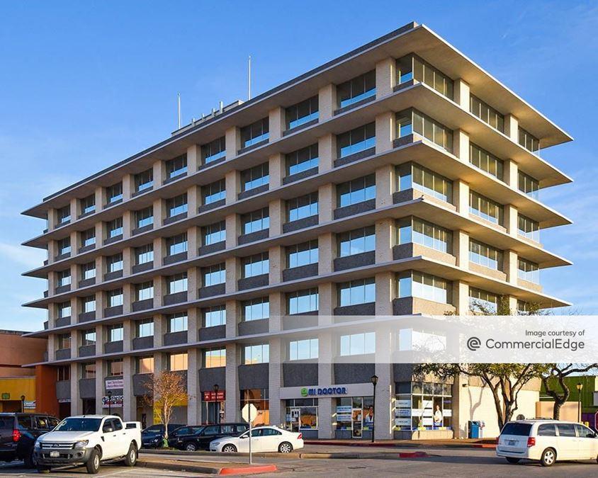 La Gran Plaza Office Tower