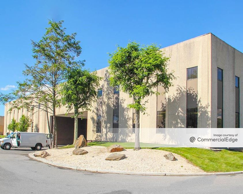 Cross Westchester Executive Park - 175 Clearbrook Road